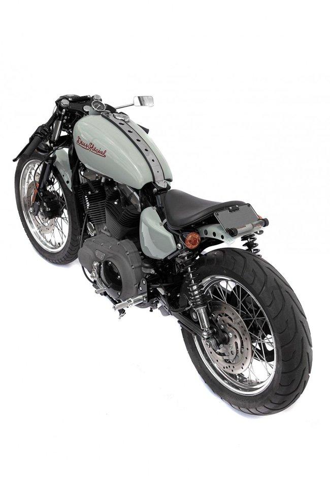 Deus Ex Machina: 1200 V-Twin Cafe Racer | Essential Moto |