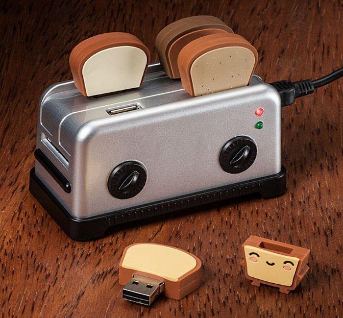 USB Toaster Hub with Toast Flash Drives