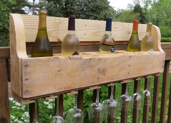 DIY Pallet Wine Rack - Sweet Pea