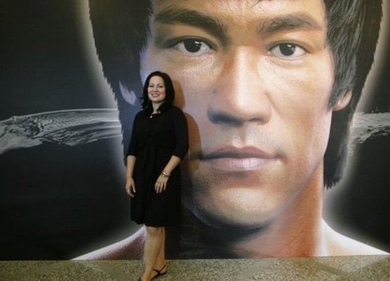BBC News - Hong Kong celebrates Bruce Lee's life and legacy
