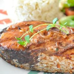 Broiled Salmon with Lemon Dill Sauce