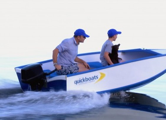 Quickboat foldable boat: From roof rack to water in 60 seconds