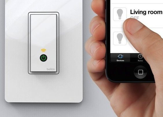 Wi-Fi Light Switch | The Gadget Flow