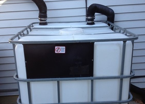 Heavy Duty 275 Gallon RAIN BARREL