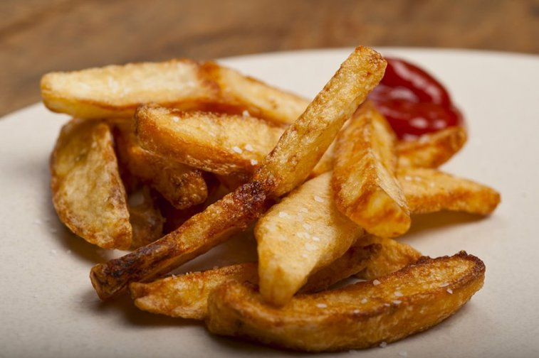 Check out these 10 easy steps to making restaurant-quality fries. | Food Republic