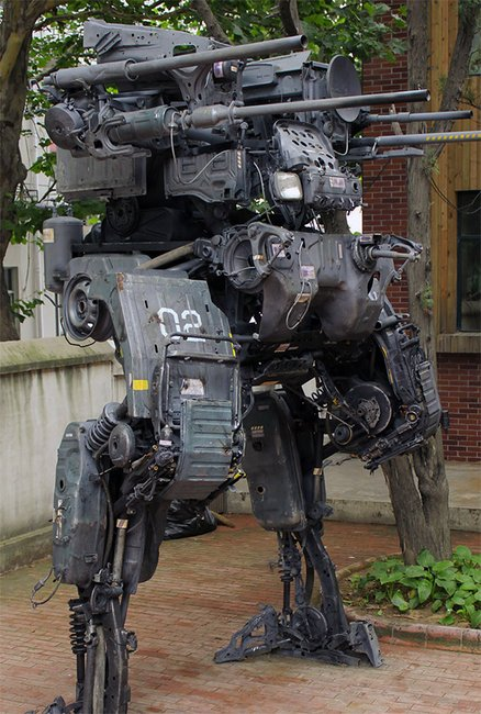 Dude Builds INSANELY Awesome Mech Out of Old TruckParts