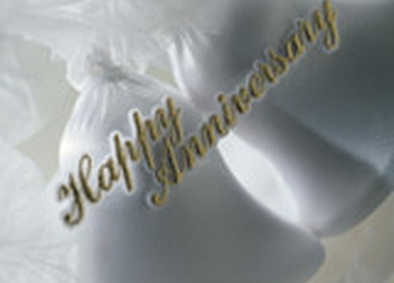 1st through 100th  Wedding Anniversary Gift Ideas and Celebration Suggestions