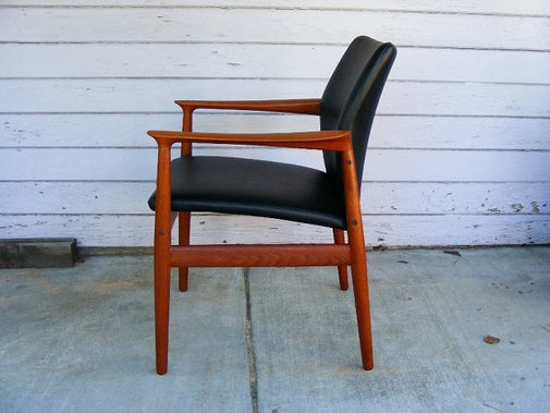Mid Century arm Chair by Grete Jalk. by evermodernfurniture