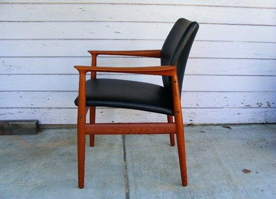 Mid Century arm Chair by Grete Jalk. by evermodernfurniture