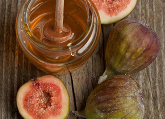 Figs with Whipped Mascarpone and Warm Spiced Honey | Red Stick Spice Company
