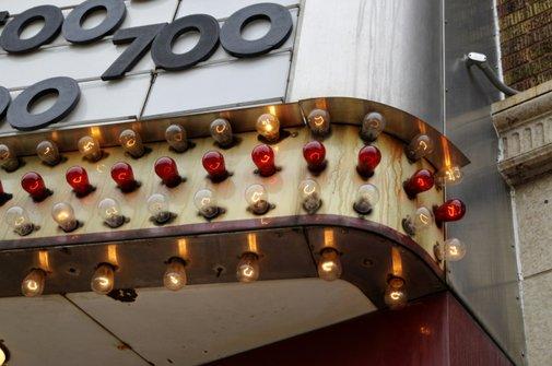 11 Things We No Longer See in Movie Theaters | Mental Floss