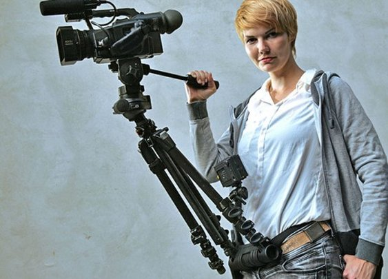 hipjib turns your tripod into a jib arm