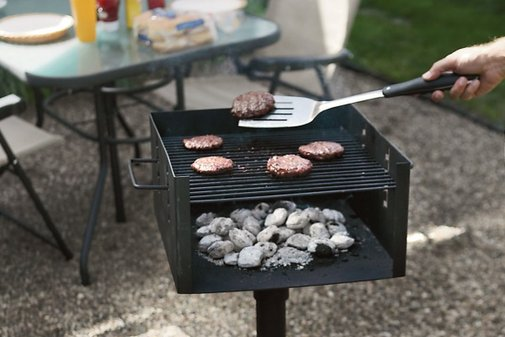 Park-Style Charcoal Grill | Baxtton