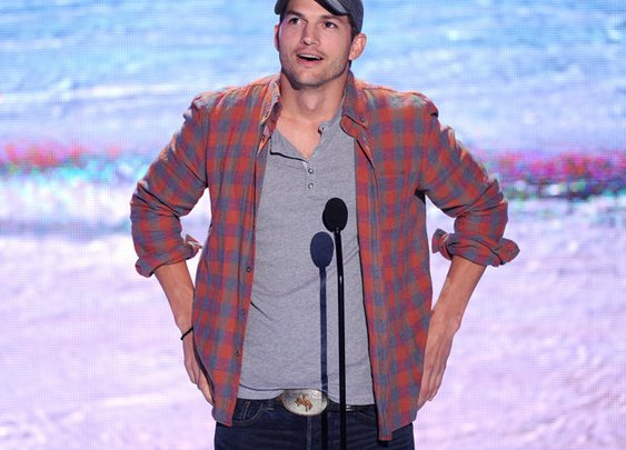 Aston Kutcher Gives Advice : 101 or Less
