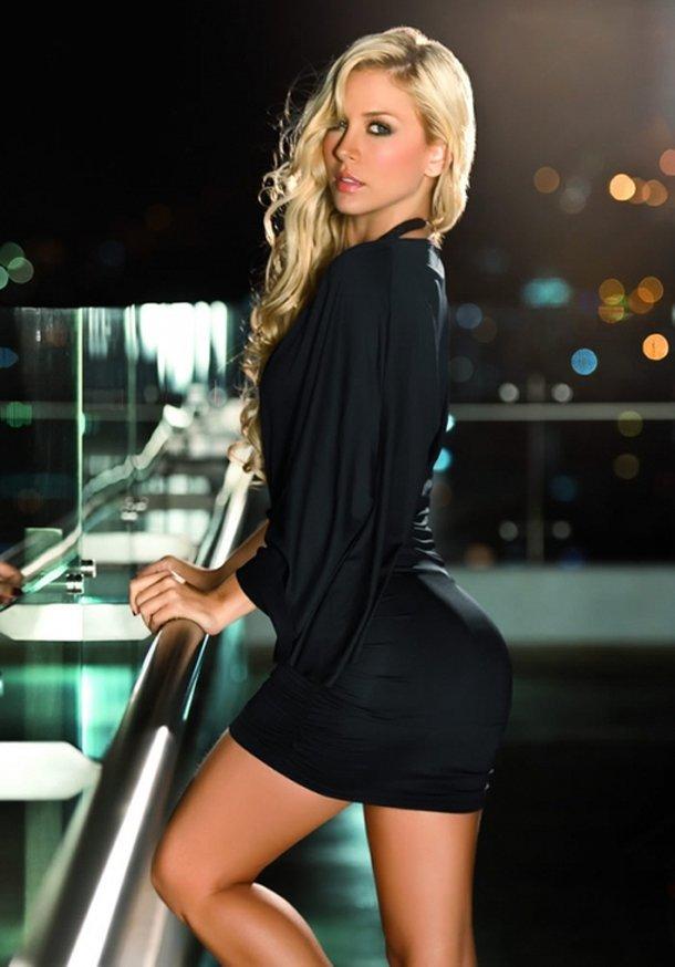 Top 10 Hottest Photos Of Lina Posada Gentlemint
