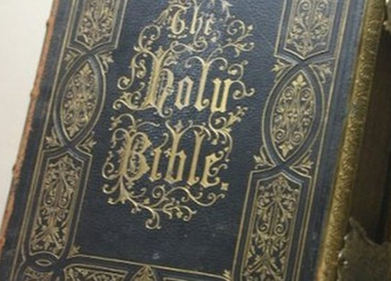 BBC News - Hastings church bible thief returns it after 42 years