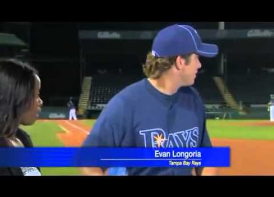 Evan Longoria Catches a ball during interview - YouTube