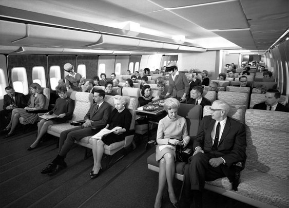 "This is the way Pan Am envisioned their ""Economy Class"" on 747s in the 1960s. - Imgur"