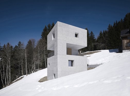 This Concrete Mountain Cabin is the Perfect Winter Getaway «  Airows