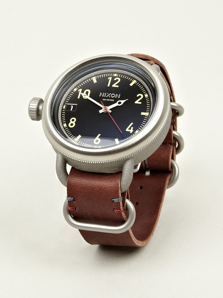 SPRHUMAN – Crafted by humanity, absorbed by sprhumans   » Nixon October Leather Watch