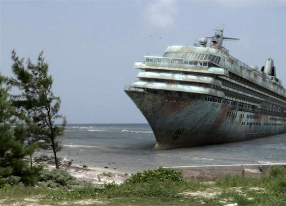Caribbean Zombie Cruise - Zombie Guide Magazine