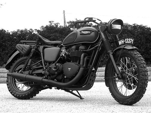 Military Triumph Bonneville by Drags & Racing Italy