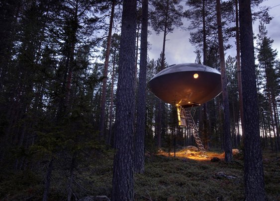 Huckberry | Shelter: Treehouse Hotel
