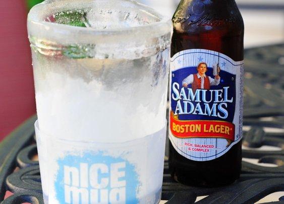 nICE Mug: A Reusable Mold That Creates a Drinking Mug Made of Ice