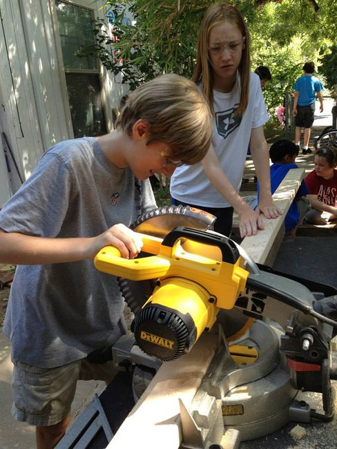 Austin Tinkering School Teaches Kids as Young as 3 to Wield Power Tools