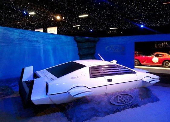 James Bond Lotus submarine sells for $966,560