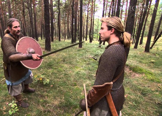 Sword Fighting As It Was For the Vikings - YouTube