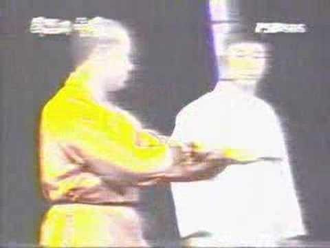Taekwondo(Korea) vs Kung fu(Shaolin,China) - YouTube