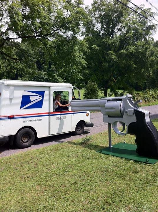 New Jersey Man Builds 350-Pound Gun Replica Mailbox