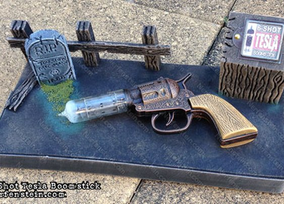 Steampunk Tesla six-shooter prop with display stand by prop maker / artist Nerfenstein
