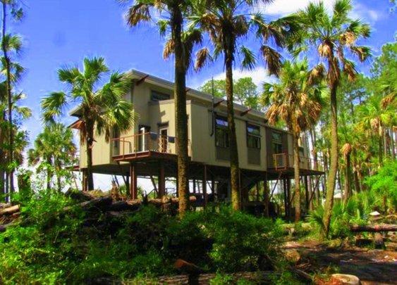 Off-Grid Steel Home - Cusabo Island