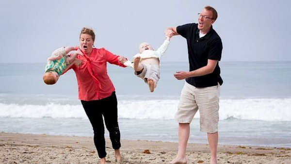Family Photo Session Not Your Average Day at the Beach | ABC News Blogs - Yahoo