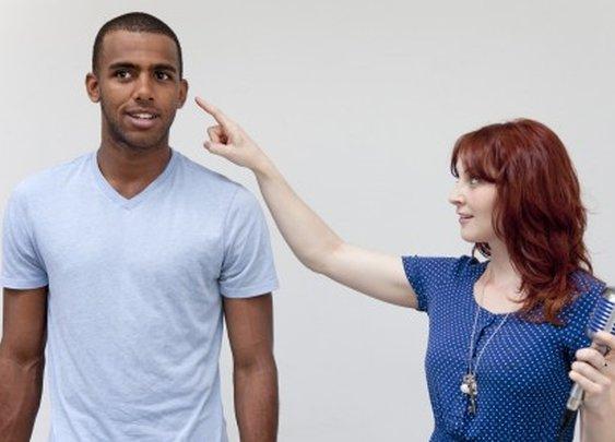 Ishin-Den-Shin system plays spoken messages through your finger