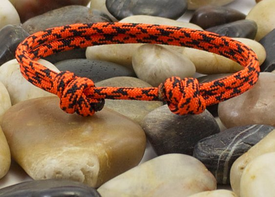 Orange Camo Minimalist Paracord Bracelet by DesignedTurning