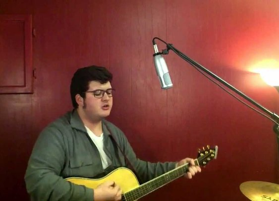 "Noah Mash Up of ""Ain't No Sunshine"" & ""Harder to Breathe"" by Bill Withers/Maroon 5 - YouTube"