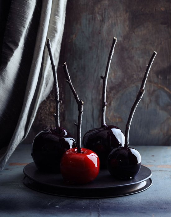 Adam's Spooky Candy Apples | MattBites.com