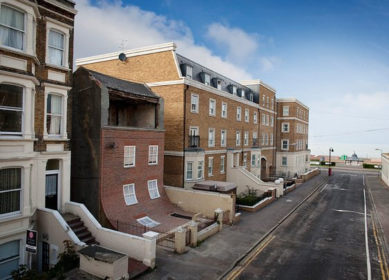 alex chinneck: from the knees of my nose to the belly of my toes