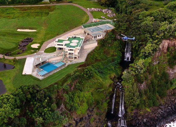 Waterfalling House in Ninole, Hawaii
