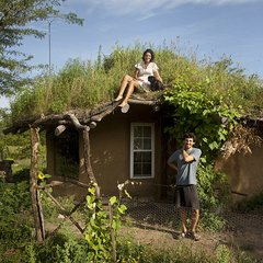 Minka: Short Film Documents Ancient Japanese Farmhouse Restoration