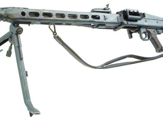 Aaron –  MG42 | Gears of Guns | Gears of Guns