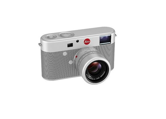 Apple's Sir Jony Ive Designs One-Of-A-Kind Leica Camera - DesignTAXI.com
