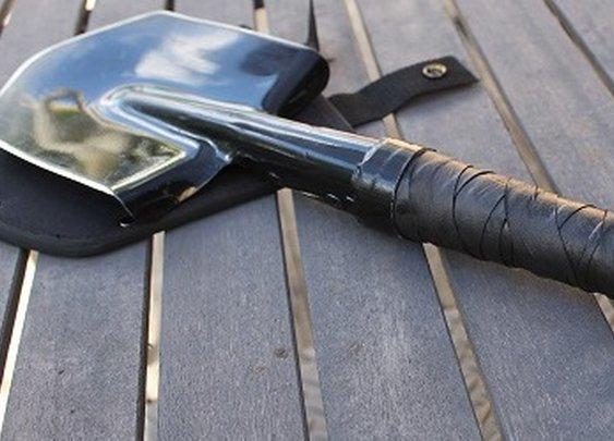 ManCave Social Media's Melee Mayhem Month 2013 - Cold Steel Special Forces Shovel #MeleeMayhem