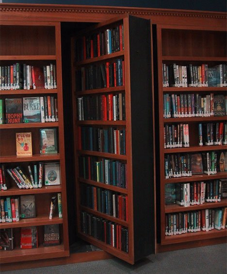 Secret Passage/bookshelf door