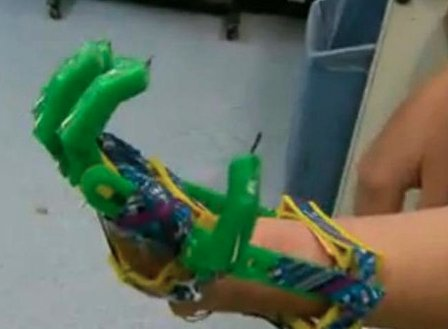 Father Uses 3D Printer to Make Prosthetic Hand for Young Son | RELEVANT Magazine