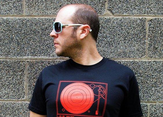 Record Player Shirt men's large american by blackbirdandpeacock