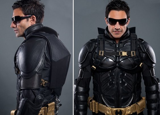 Men's Gear: THE DARK KNIGHT RISES LEATHER MOTORCYCLE SUIT AND BACKPACK